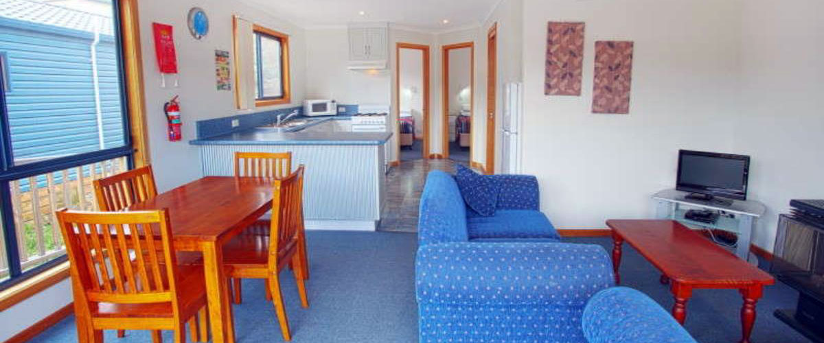 Tasmania cabins cottages self contained tasmania for Self contained cabin