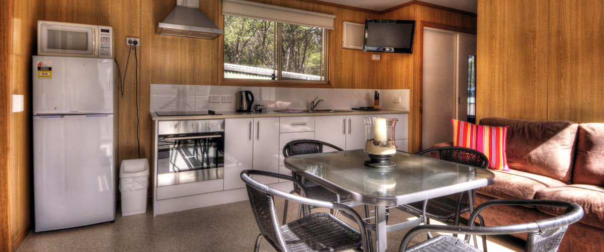 Big4 Iluka on Freycinet Holiday Park - Superior Cabin - Kitchen